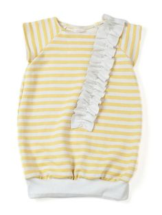 this short sleeve sweater dress for little girls is adorable and girlie chic!