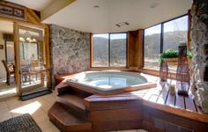 View Seymour Lodging's spectacular condo rentals in Keystone, Colorado. Panoramic views of ski runs, a private hot tub and sauna. Sleeps Book now! Hot Tub Backyard, Luxury Cabin, Cabin Interiors, Lodge Style, Corner Bathtub, Lodges, Ideal Home, Condo, Houses