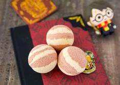 50 AMAZING DIY bath bombs that you need to try! These DIY bath bombs will make your bath even better! If you have been looking for bath bomb recipes, then check this list out! # Easy DIY bath bombs 50 Gorgeous DIY Bath Bombs That'll Transform Bathtime Big Blue Bath Bomb, Bubble Bath Bomb, Bubble Baths, Green Tea Bath, Bath Bombs Scents, Bath Salts, Bath Fizzies, Essential Oil Bath Bombs, Galaxy Bath Bombs