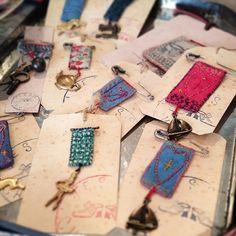 """좋아요 377개, 댓글 13개 - Instagram의 JESSIE CHORLEY(@jessiechorley)님: """"A few new pieces on my shops counter today ... Made on recent travels #embroidery…"""""""