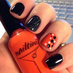 57 Easy Halloween Nail Art With Ghost Pumpkin Candy Corn Disney Designs Are you looking for easy Halloween nail art designs for October for Halloween party? See our collection full of easy Halloween nail art designs ideas and get inspired! Fancy Nails, Love Nails, Diy Nails, How To Do Nails, Pretty Nails, Shellac Nails Fall, Acrylic Nails, Halloween Nail Designs, Halloween Nail Art