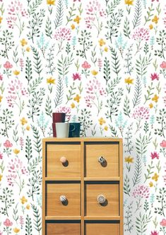 Brodie Removable Watercolor Cute Flowers 6.25' L x 25