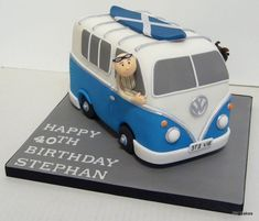 A birthday trip in a campervan for Stephan's special day! Camper Van Cake, Camper Cakes, Vw Camper, Cupcakes, Cupcake Cakes, Hippie Cake, Bus Cake, Vw Caravan, Cake Shapes