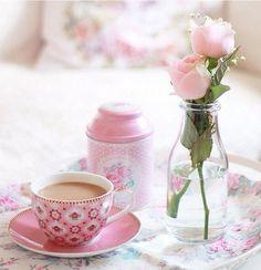Funny good morning coffee cups drinks 35 ideas for 2019 Coffee Love, Coffee Art, Coffee Cups, Tea Cups, Good Morning Coffee Cup, Tea And Books, Tea Pot Set, Afternoon Tea, Tea Time