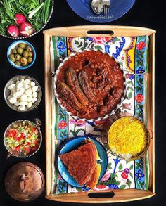 The best lunch table ever in Iran! I Love Food, Good Food, Yummy Food, Iranian Desserts, Iran Food, Iranian Cuisine, Middle East Food, Deli Food, Persian Culture