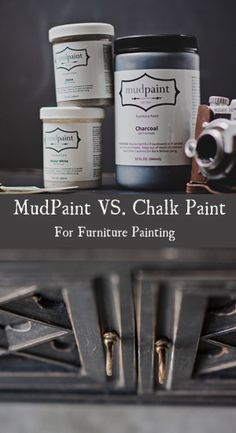 Mudpaint VS Chalk Paint for furniture painting. Here are some of the main differences between Annie Sloan Chalk Paint and Mudpaint. Mudpaint has no chalk in it, but still has an antique type finish. Paint Furniture, Furniture Projects, Furniture Makeover, Diy Projects, Whitewash Furniture, Refurbishing Furniture, Laminate Furniture, Outdoor Furniture, Do It Yourself Furniture
