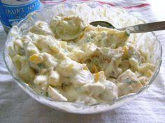 Mansarda cu bunatati: Salatǎ de cartofi noi cu dressing de iaurt