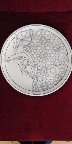 Arabic Calligraphy Art, Arabic Art, Islamic Art Pattern, Pattern Art, Pottery Painting, Ceramic Painting, Tile Art, Mosaic Art, Painted Ceramic Plates