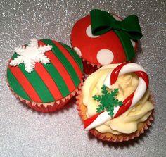Contemporary Christmas Cupcakes