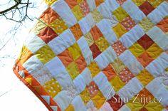 Dot square quilt / Šiju-Žiju.cz Square Quilt, Dots, Quilts, Blanket, Scrappy Quilts, Stitches, Quilt Sets, Blankets, Log Cabin Quilts