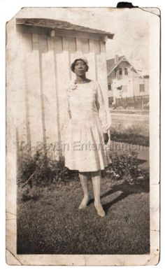 30s Antique African American Pretty Dark Skinned Woman Old Photo Black Americana in Collectibles, Photographic Images, Vintage & Antique (Pre-1940), Other Antique Photographs | eBay
