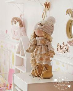 Куколка уезжает в Красноярск. Эту девочку могу повторять бесконечно #marya_bakhteeva #куклымариибахтеевой #комнатапринцессы #шеббишик