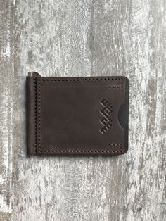 Money clip wallet | Minimalist leather wallet | Slim money clip | Brown note wallet | Gift for dad by YLARAGIS on Etsy Leather Money Clip Wallet, Slim Leather Wallet, Handmade Leather Wallet, Slim Wallet, Leather Laptop Backpack, Brown Leather Backpack, Leather Saddle Bags, Leather Cuffs, Brown Note