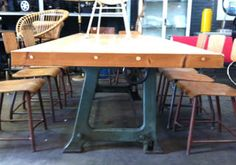 industriele tafel  dik verlijmde balken blad
