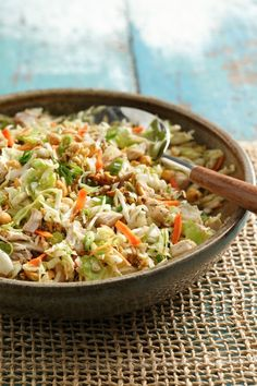 Good idea for Memorial Day Potluck!  Keep crunchy by adding noodles just before serving. Ramen Noodle Soup, Ramen Noodles, Ramen Salad, Soup And Salad, Salad Bar, Ramen Recipes, Chicken Recipes, Chicken Ideas, Chicken And Cabbage