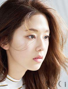 Park Hye Soo - CeCi Korea May 2017