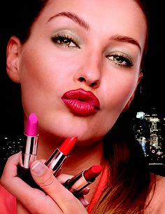 Daring red...Oriflame Beauty Wonder Colour Lipstick.