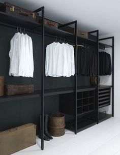 Faire un dressing pas cher soi-même facilement Diy Wardrobe, Wardrobe Storage, Wardrobe Ideas, Closet Storage, Diy Closet Ideas, Bedroom Wardrobe, Walk In Closet Organization Ideas, Closet Racks, Closet Shelving