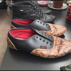 Leopard vans Mild wear. Peeling on bottom of heels. Vans Shoes