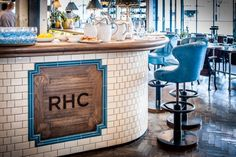 Achingly stylish, the Riding House Cafe on Great Titchfield Street is safely tucked away from the stream of tourists on Oxford Street, though it's a mere 5 min walk away.
