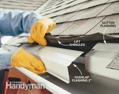 Create stronger, better-looking gutters by modifying standard gutter systems. assemble strong, sleek-looking seams; and add roof flashing to keep water flowing into the gutters where it belongs. Diy Gutters, House Gutters, How To Install Gutters, Home Fix, Diy Home Repair, Roof Repair, Window Repair, Home Repairs, Interior Exterior
