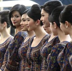 Malaysia Airlines Cabin Crew India Beauty, Asian Beauty, Flight Girls, Airline Cabin Crew, Airline Uniforms, Airplane Pilot, Glam Doll, Beautiful Braids, Flight Attendant