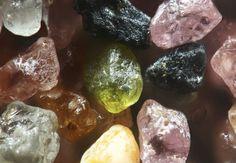 Sand grains from Plum Island, Massachusetts are really metamorphic  minerals.  Photo Gary Greenberg