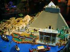 As taken from Science World in 2006 in Vancouver. Ancient Egypt as depicted using lego. Ancient Egypt Pyramids, Egyptian Party, Lego Universe, Lego Club, Brick In The Wall, All Lego, 3d Pictures, Lego Projects, School Projects