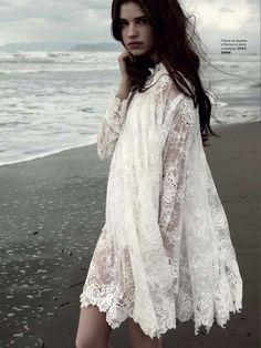 Love this white boho top. via theyallhateus
