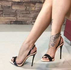 Stiletto #shoes #stiletto #sandals #fashion #vanessacrestto #style