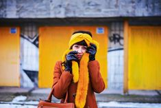 #OOTD #Fauxfur #winter #mustard #style #outfit #zara #parfois #hallhuber #katharinefashionisbeautiful #portrait #garage NEUVERÍTE, VĎAKA KTORÉMU KÚSKU DOKÁŽETE BYŤ ŽENSKEJŠIE Rain Jacket, Windbreaker, Autumn, My Style, Jackets, Outfits, Beautiful, Women, Fashion