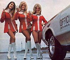 Custom VANS natural BABES & other bad ass transportation. Pub Vintage, Vintage Racing, Modelos Pin Up, Linda Vaughn, Grid Girls, Car Girls, Up Girl, 70s Fashion, Vintage Fashion