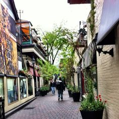 Yorkville Shopping District, Toronto such a great day :*