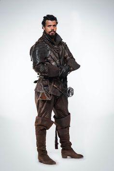 The-Musketeers-Season-2-Cast-Photo-Porthos-the-musketeers-bbc-37863917-2830-4240.jpg (2830×4240)