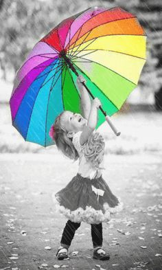 little girls smile w rainbow umbrella priceless picture Cool Baby, Baby Kind, Color Splash, Color Pop, Little People, Little Girls, Kind Photo, Under My Umbrella, Umbrella Girl