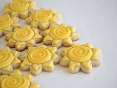 Tangled Sun Cookies for a Rapunzel Party | Make Me Cake Me
