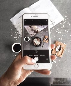 Rule of thirds cell phone tip by jennifer ditterich if you p Food Photography Tips, Flat Lay Photography, Coffee Photography, Iphone Photography, Creative Photography, Camera Art, Photo Tips, Photo Studio, Tricks