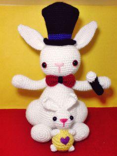 Magician Rabbit KarBeyaz by Şebnem Ayşe