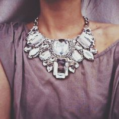 Statement necklace/this would be awesome for the bridesmaids too
