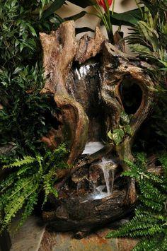 Fuente de agua de Casa Febus www.casafebus.com