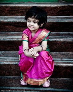 The Little Lady. **so adorable, you just wanna take her into your arms and smother her with love** ----- #indian #wedding #candid