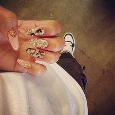 nails #design #camo #girly