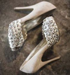 silver - Wedding shoes - unknown designer.JPG