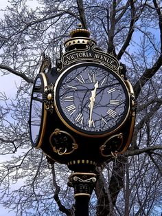 Challenge yourself with this THEME ~ Time Pieces ~~ Street Clock ~ Newport, RI . Gorgeous full size jigsaw puzzle for free. Big Clocks, Cool Clocks, Outdoor Clock, Foto Poster, As Time Goes By, Antique Clocks, Vintage Clocks, Time Clock, Grandfather Clock