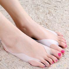 MOONBIFFY 2 Pcs Silicone Hallux Valgus Bunion Relief Footcare Toe Separators Straightener
