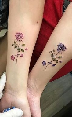 Graphics discovered by Anna Clara Santos Fraccaro. Discover (and save!) Your own images and videos from We Heart It Bff Tattoos, Hand Tattoos, Dainty Tattoos, Family Tattoos, Pretty Tattoos, Couple Tattoos, Body Art Tattoos, Tattoos On Forearm, Best Friend Tattoos