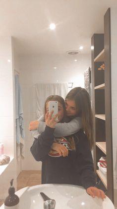Best Friends Shoot, Best Friend Poses, Cute Friends, Cute Friend Pictures, Friend Photos, Cute Photos, Foto Best Friend, Best Friends Aesthetic, Girlfriend Goals