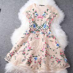 [grzxy6601305]Elegant Ladies Flower Embroidery Short Sleeves Crewneck Skater Dress