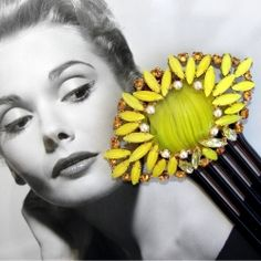 @TRESemmé India  #TRESSplitRemedy #SplitEnds Broken comb can become a hair accessory or clip by appling a Brooch on it..