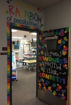 Kindergarten Classroom Setup and Reveal Scholastic Kindergarten Classroom Setup, First Grade Classroom, Classroom Setting, Toddler Classroom Decorations, Future Classroom, Themes For Classrooms, Year 1 Classroom Layout, Creative Classroom Ideas, Kindergarten Decoration
